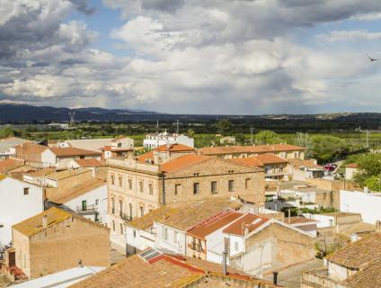 Vista de la Galera amb l'edifici de l'Ajuntament